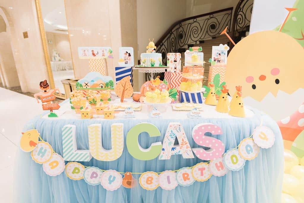 Trang trí bàn gallery sinh nhật bé Lucas