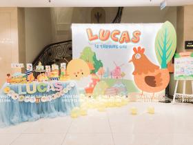 Trang trí thôi nôi chủ đề Gà cho bé Lucas