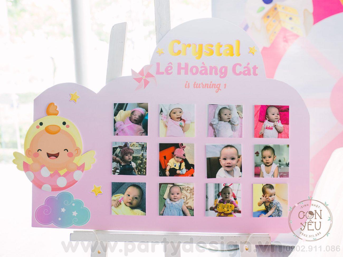 Khung hình 12 tháng chủ đề Gà Con - bé Hoàng Cát