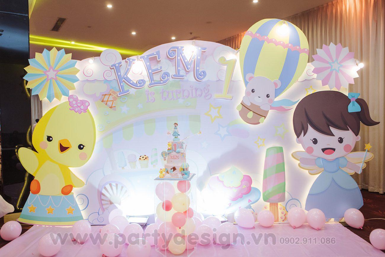 Trang trí sinh nhật bé gái Kem