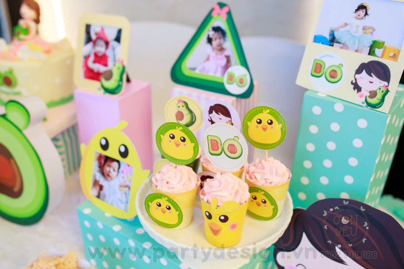 Trang trí sinh nhật chủ đề Bơ cho bé gái