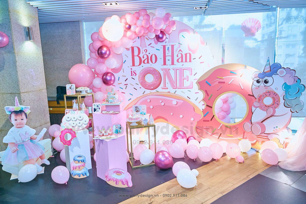 Trang trí sinh nhật bé gái chủ đề Donut - Bảo Hân