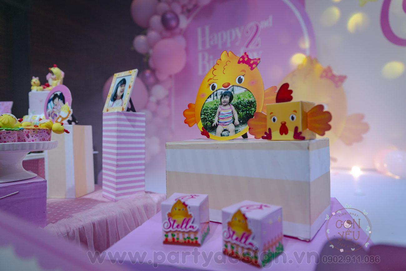 Trang trí sinh nhật bé gái chủ đề Gà Con - Chip