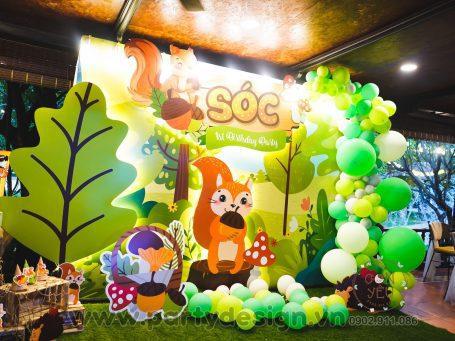 Trang trí sinh nhật bé trai Sóc chủ đề safari
