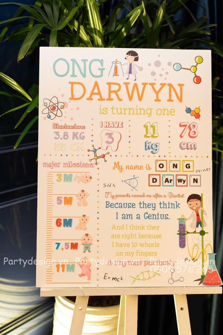Bảng thông tin sinh nhật/thôi nôi chủ đề Science/Khoa học bé Darwyn