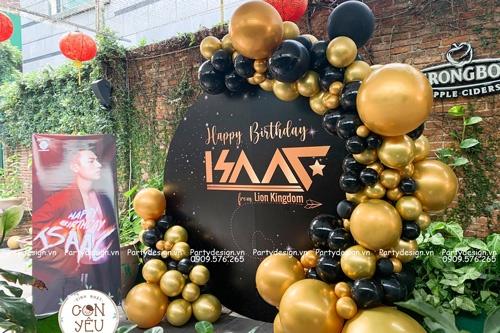 Trang trí sinh nhật người lớn (ca sĩ Isaac)