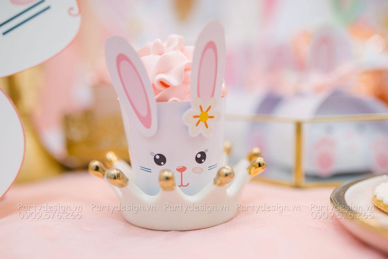 Trang trí sinh nhật tại nhà bé Gia Hân - chủ đề Thỏ