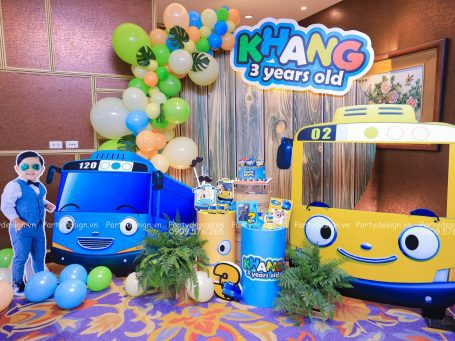 Trang trí sinh nhật Tayo xe buýt bé nhỏ – bé Phước Khang