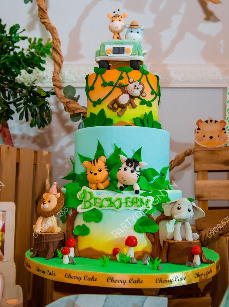 Bánh kem sinh nhật chủ đề Safari Rừng Xanh - bé Beckham