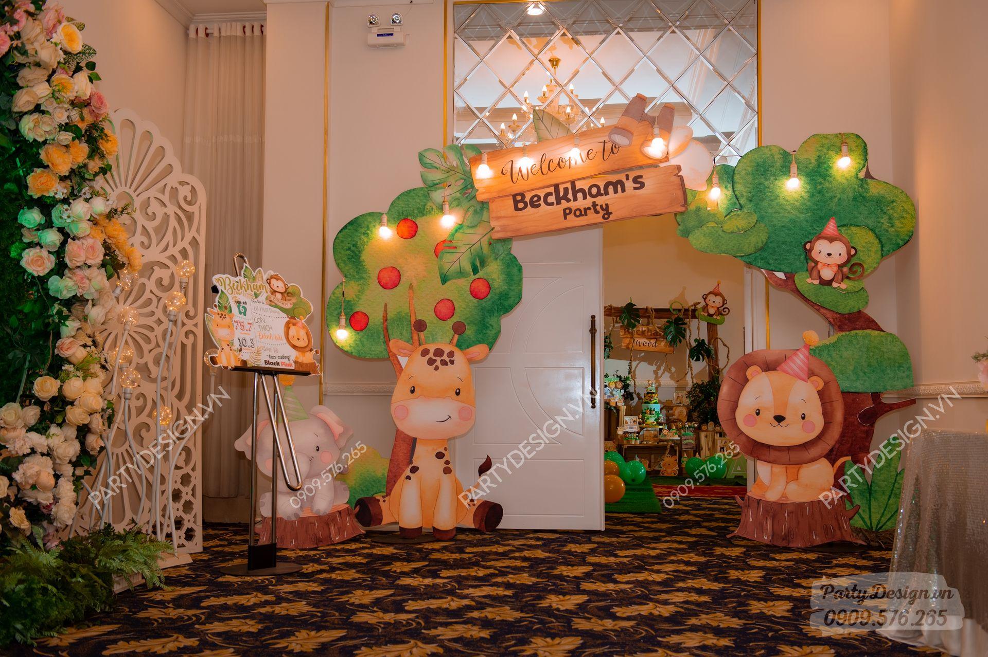 Cổng trang trí sinh nhật Safari Rừng Xanh - bé Beckham