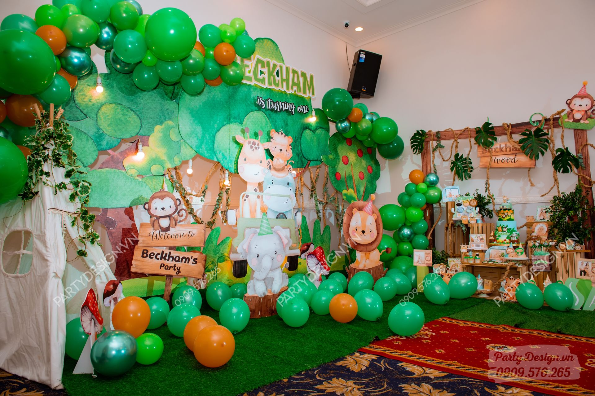 Backdrop trang trí sinh nhật chủ đề Safari Rừng Xanh - bé Beckham